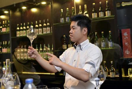 sake in wine glass